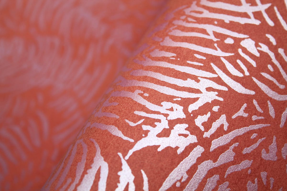 Kunstvoll dekorieren mit designtapete macaracas in orange for Tapete orange